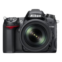 NIKON D7000 BODY WITH NIKON AFS DX LENS 18-105MM F3.5-5.6G ED VR [SALE. 1 MONTH WARRANTY]